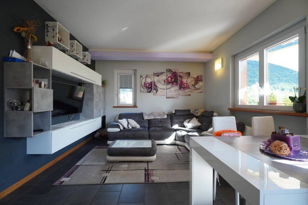 Villa a Schiera in vendita a Piuro, 3 locali, prezzo € 260.000 | CambioCasa.it