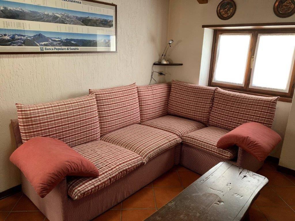 Appartamento in affitto a Campodolcino, 4 locali, prezzo € 3.000 | CambioCasa.it