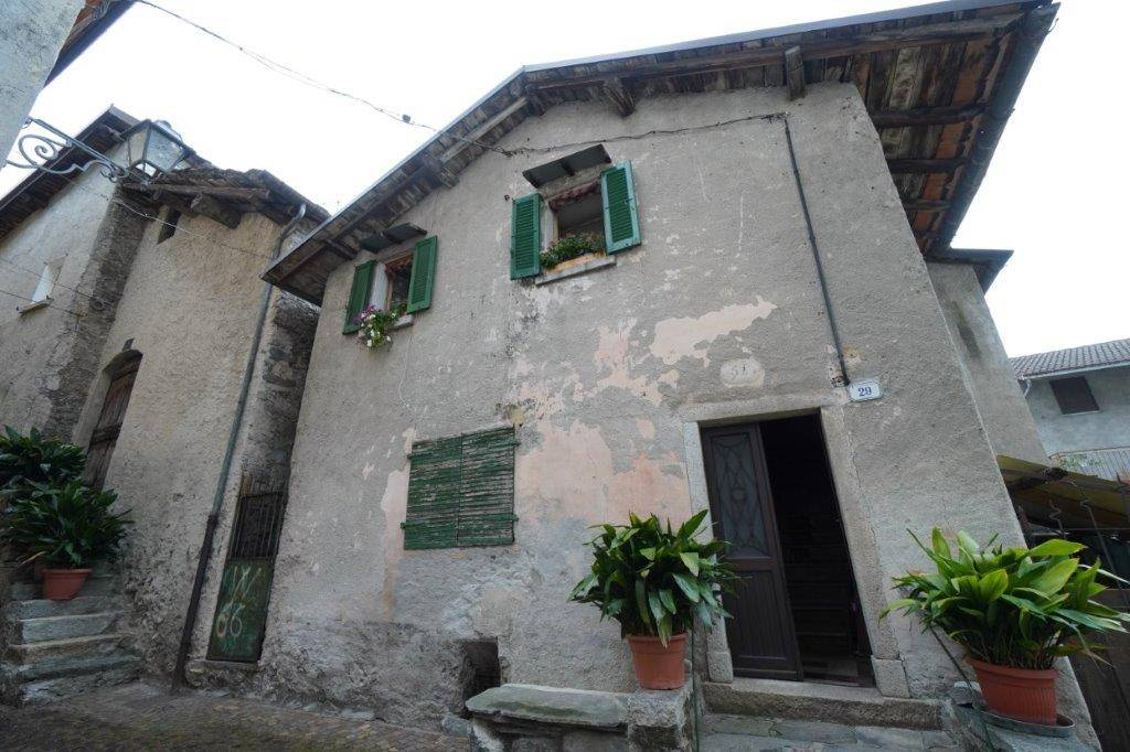 Rustico / Casale in vendita a Novate Mezzola, 5 locali, prezzo € 69.000 | PortaleAgenzieImmobiliari.it