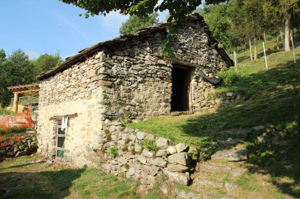 Rustico / Casale in vendita a Gordona, 3 locali, zona Località: MENAROLA, prezzo € 30.000 | PortaleAgenzieImmobiliari.it