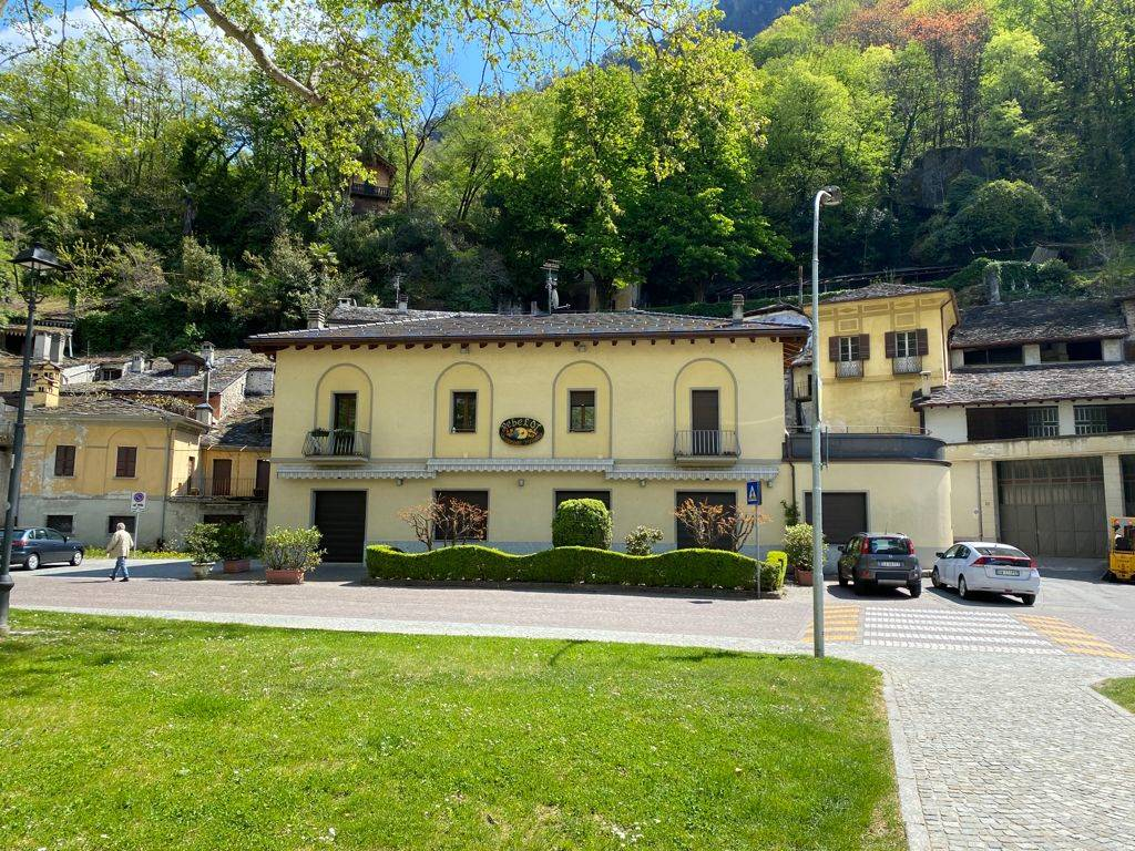 Ristorante / Pizzeria / Trattoria in vendita a Chiavenna, 4 locali, Trattative riservate | PortaleAgenzieImmobiliari.it
