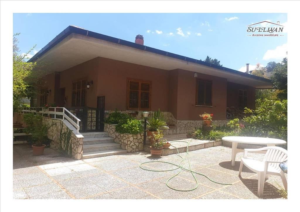 Villa in Via Alla Falconara 27/b, Palermo
