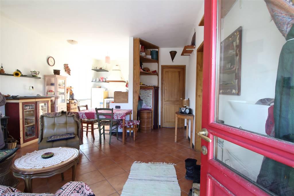Appartamento indipendente in Via Regiosi 9, Casella