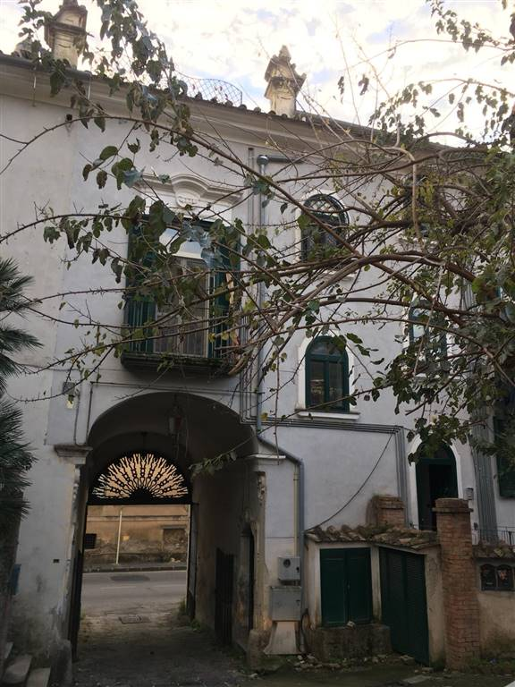 SAN LEONARDO / ARECHI / MIGLIARO, SALERNO, Apartment for rent of 120 Sq. mt., Restored, Heating Individual heating system, Energetic class: G, placed