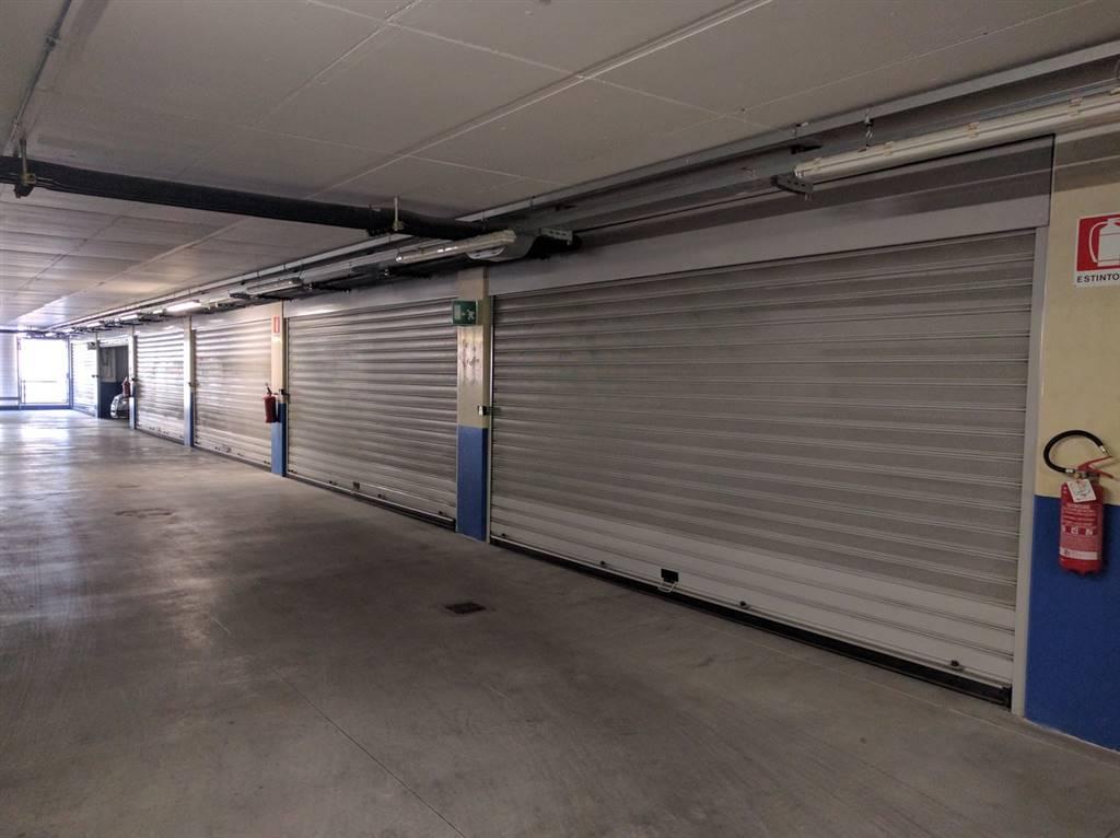 SAVONAROLA, FIRENZE, Garage / Posto auto in affitto di 32 Mq, Classe energetica: G, composto da: 1 Vano, Garage doppio, Prezzo: € 420