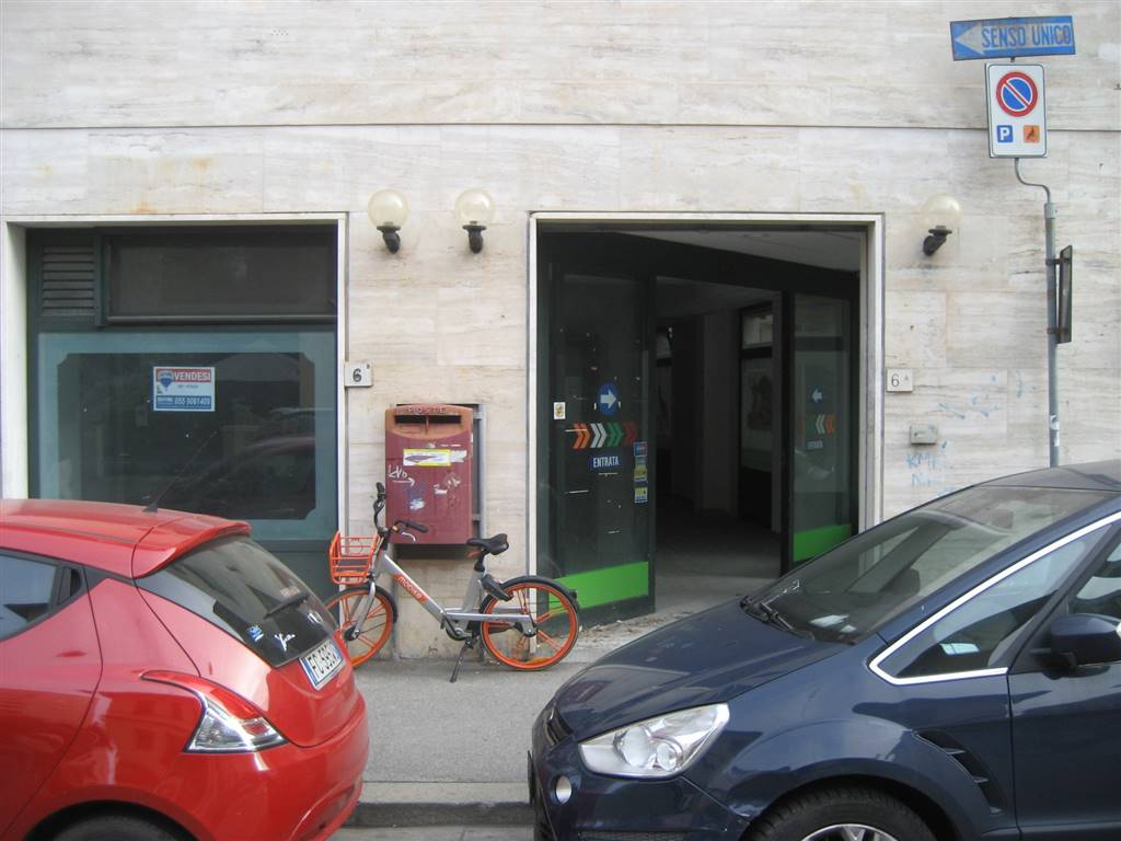 SAN IACOPINO, FIRENZE, Shop for sale of 290 Sq. mt., Be restored, Heating Individual heating system, Energetic class: G, placed at Ground, composed