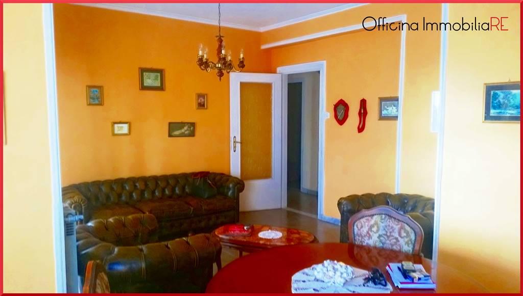 Appartamento in Via Degli Albanesi, Centro, Crotone