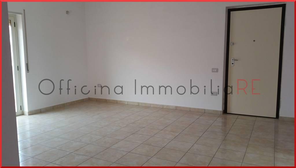 Appartamento in Via De Curtis, Farina, Crotone