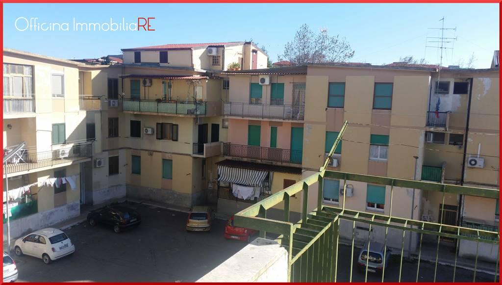 Quadrilocale in Via Angelina Mauro, Centro, Crotone