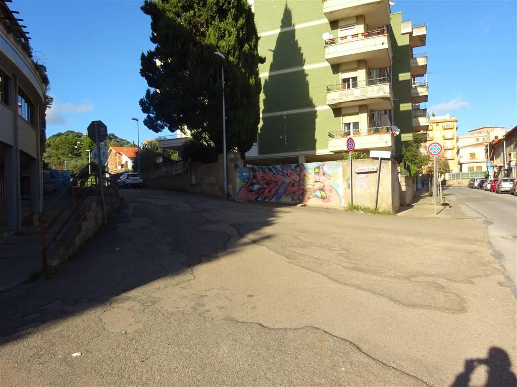 Trilocale, Iglesias