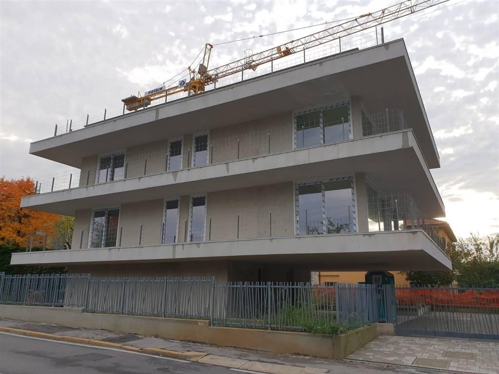 Appartamento indipendente in Via Guglielmo Lochis, Longuelo, Bergamo