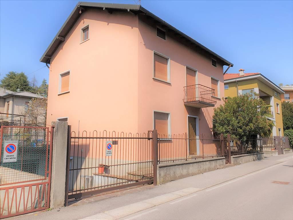 Villa in Via Carso  39, Colognola, Bergamo