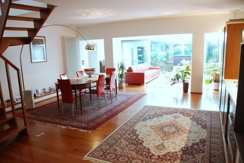 Villa in vendita a Curno, 5 locali, prezzo € 520.000 | CambioCasa.it