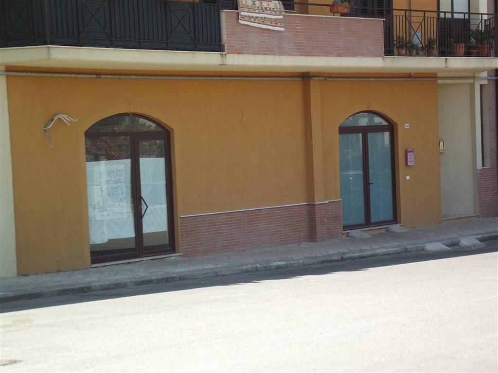 Locale commerciale in Via Elio Vittorini  35d, Piazza Armerina