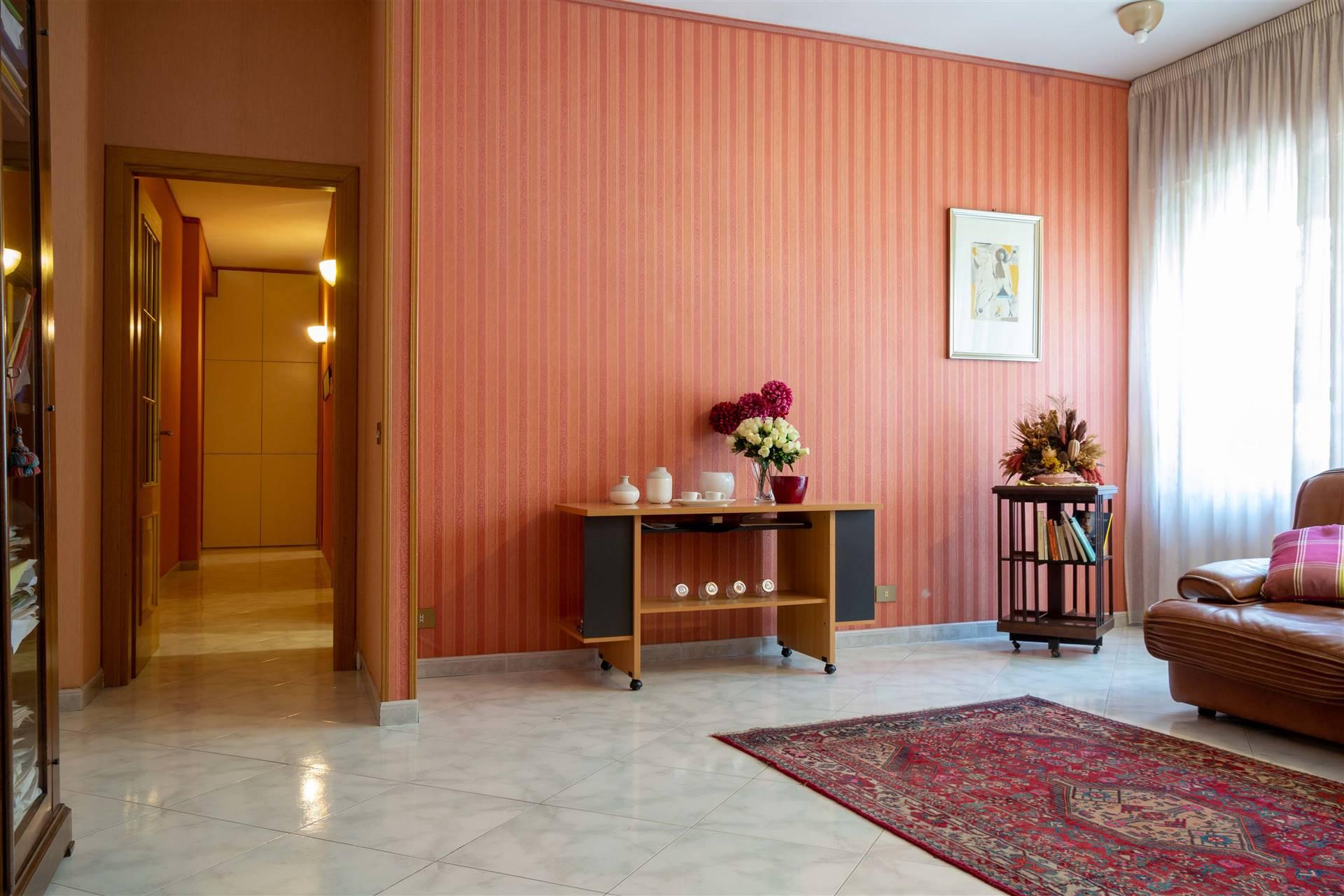 Appartamento in vendita a Avellino, 3 locali, zona Località: PIAZZA KENNEDY, prezzo € 155.000 | CambioCasa.it