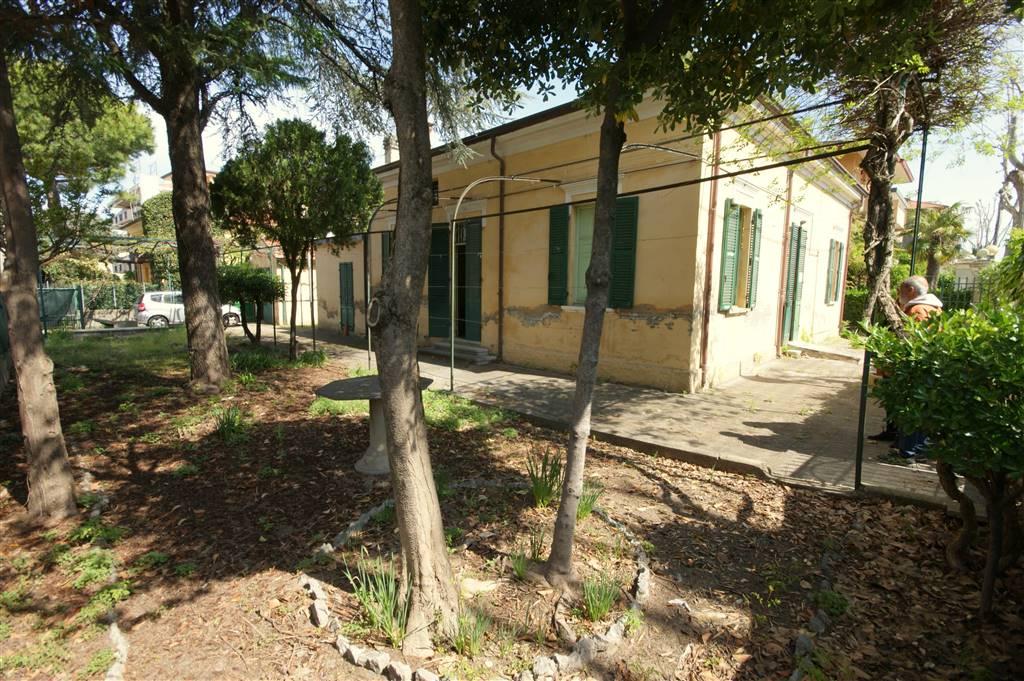 Villa, Viserba, Rimini, da ristrutturare