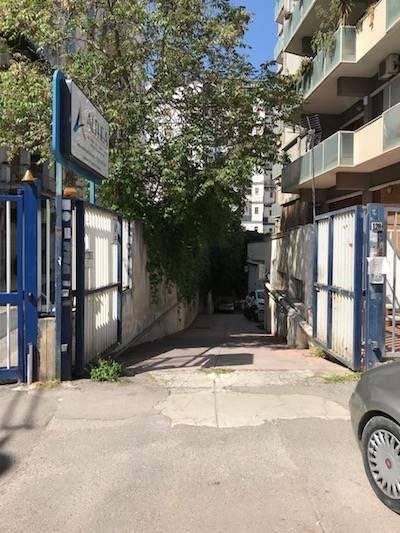 Magazzino in Via Sciuti 128, Palermo