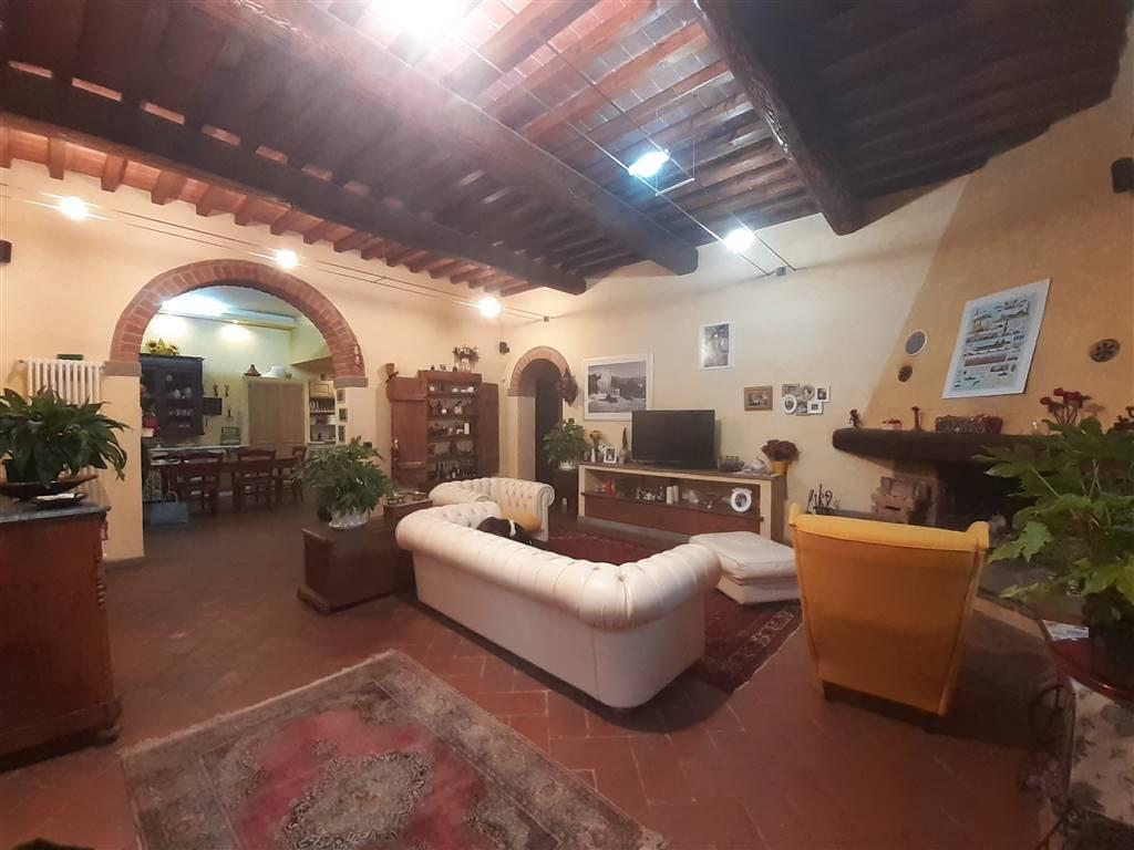 Appartamento residenziale in  vendita a IL FERRONE › GREVE IN CHIANTI (FI)