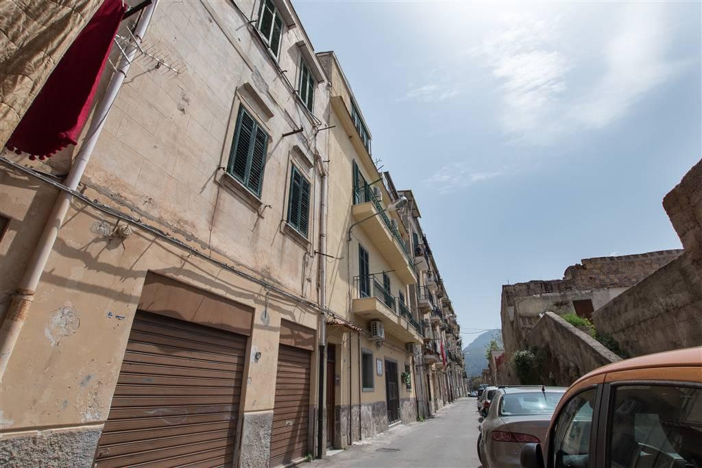 Trilocale in Via Colomba 48, Oreto, Palermo