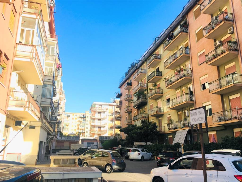 UDITORE, PALERMO, Apartment for sale of 100 Sq. mt., Excellent Condition, Heating Individual heating system, Energetic class: F, Epi: 175 kwh/m2 year,