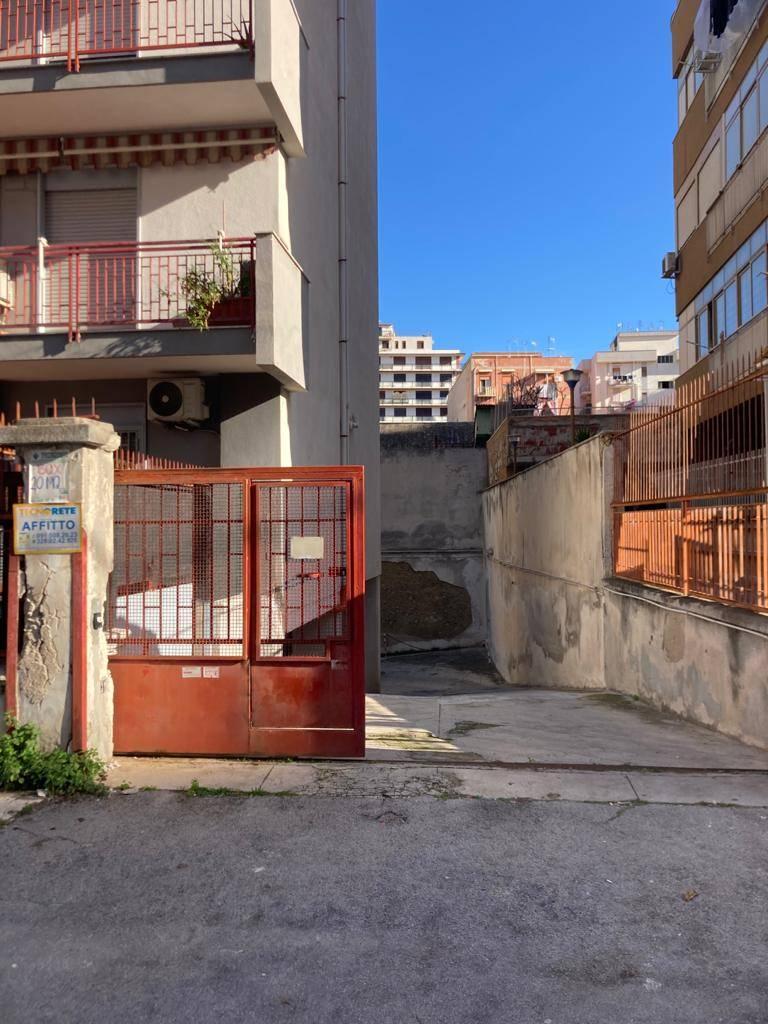 ARMANDO DIAZ, PALERMO, Garage zu verkaufen von 20 Qm, Energie-klasse: G, Epi: 156 kwh/m2 jahr, am boden Kellergeschoss , zusammengestellt von: 1
