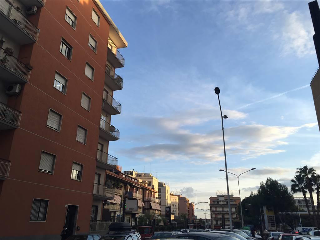 Trilocale in Viale Medaglie D'oro, Catania