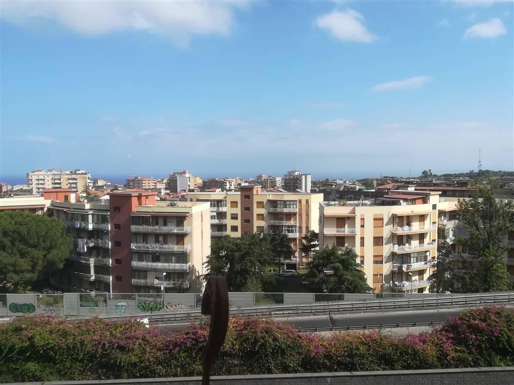 Appartamento in Via Etnea, Gravina Di Catania