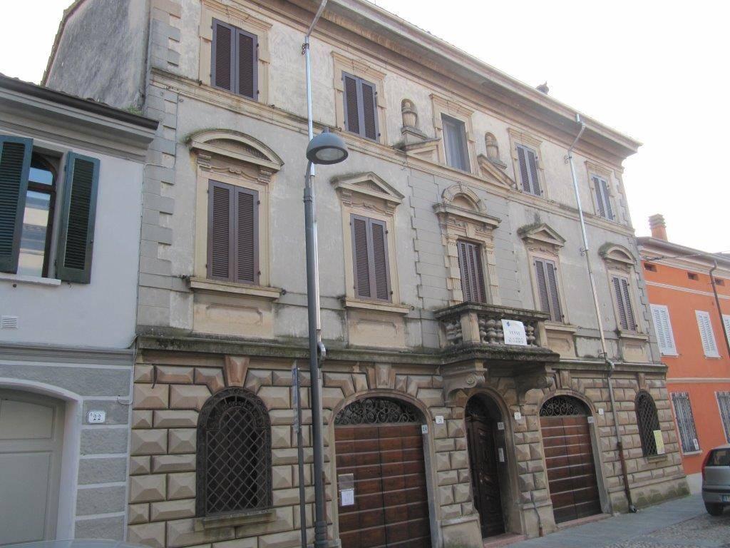 Vai alla scheda: Stabile / Palazzo Vendita - Luzzara (RE) - Codice -3199