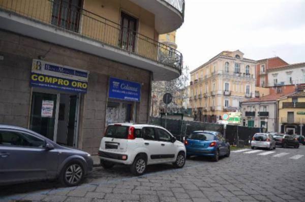 Negozio, Piazza Kennedy, Avellino, abitabile