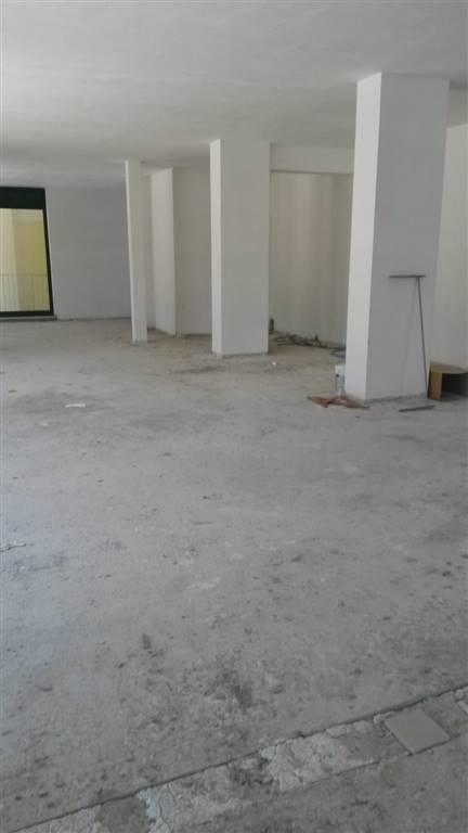 Negozio, Centro Storico, Avellino, in nuova costruzione