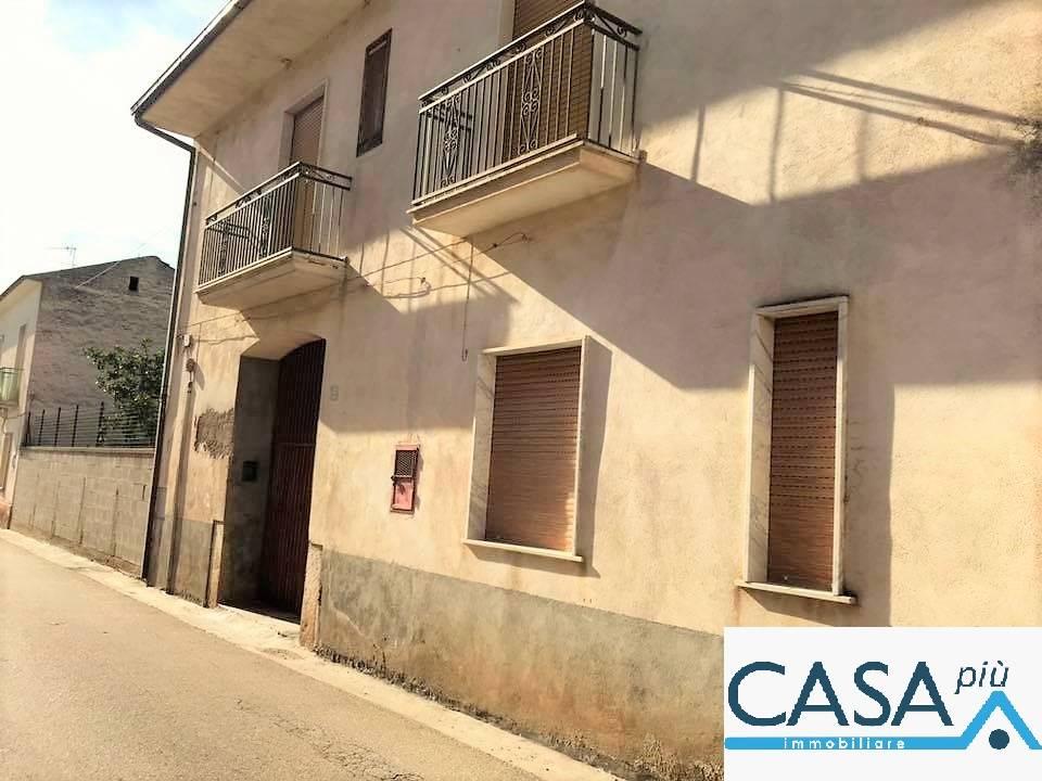Soluzione Semindipendente in vendita a Camigliano, 4 locali, prezzo € 37.000   CambioCasa.it