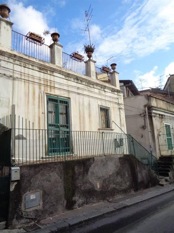 Villa in Via Galermo 16, Cibali, Catania
