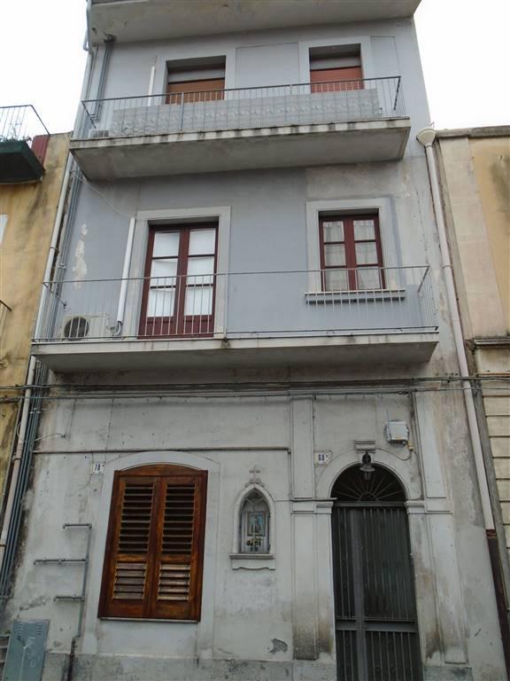 Trilocale, Via P. Nicola - Picanello, Catania, abitabile