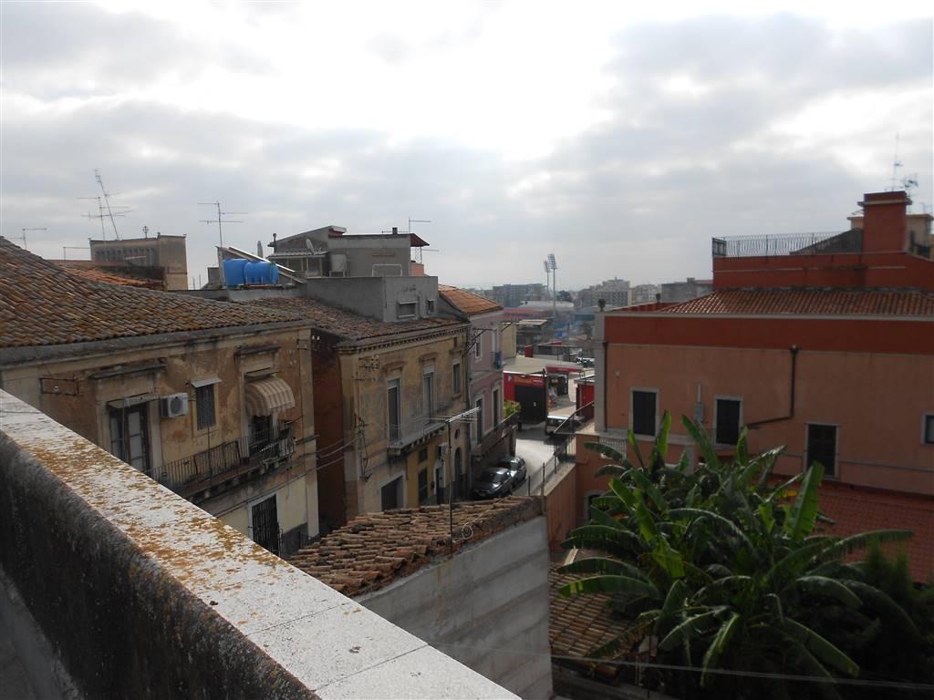 Casa singola, Catania, da ristrutturare