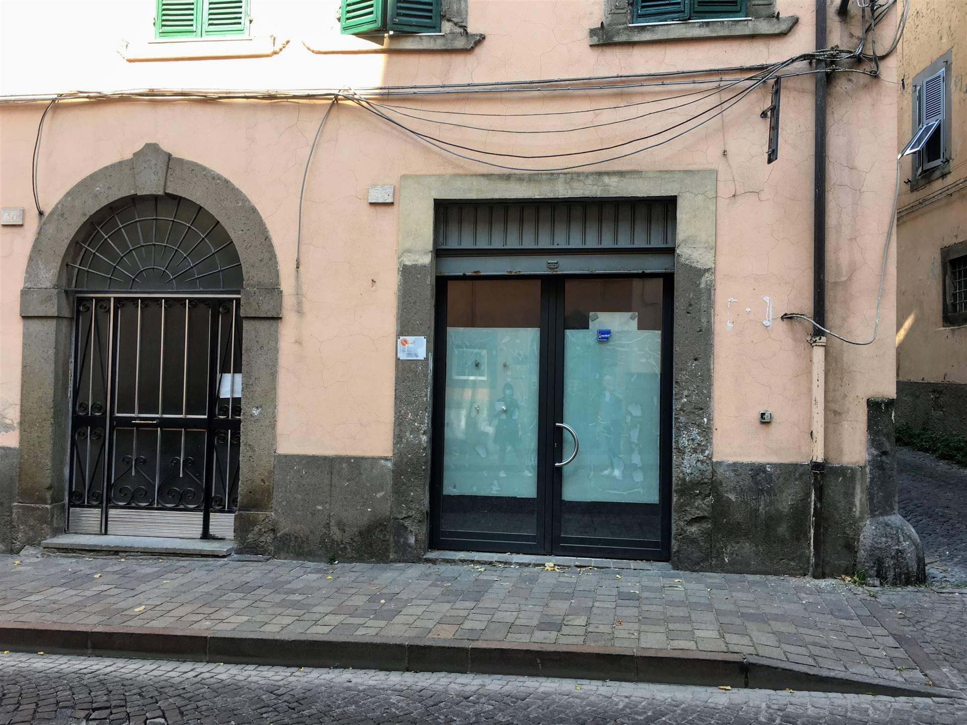 Box / Garage in vendita a Viterbo, 1 locali, zona Zona: Centro, prezzo € 30.000   CambioCasa.it