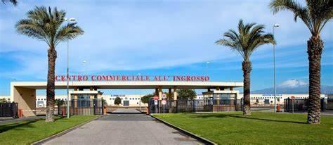 Locale commerciale in Via Passo Del Fico C.da Bicocca, Catania