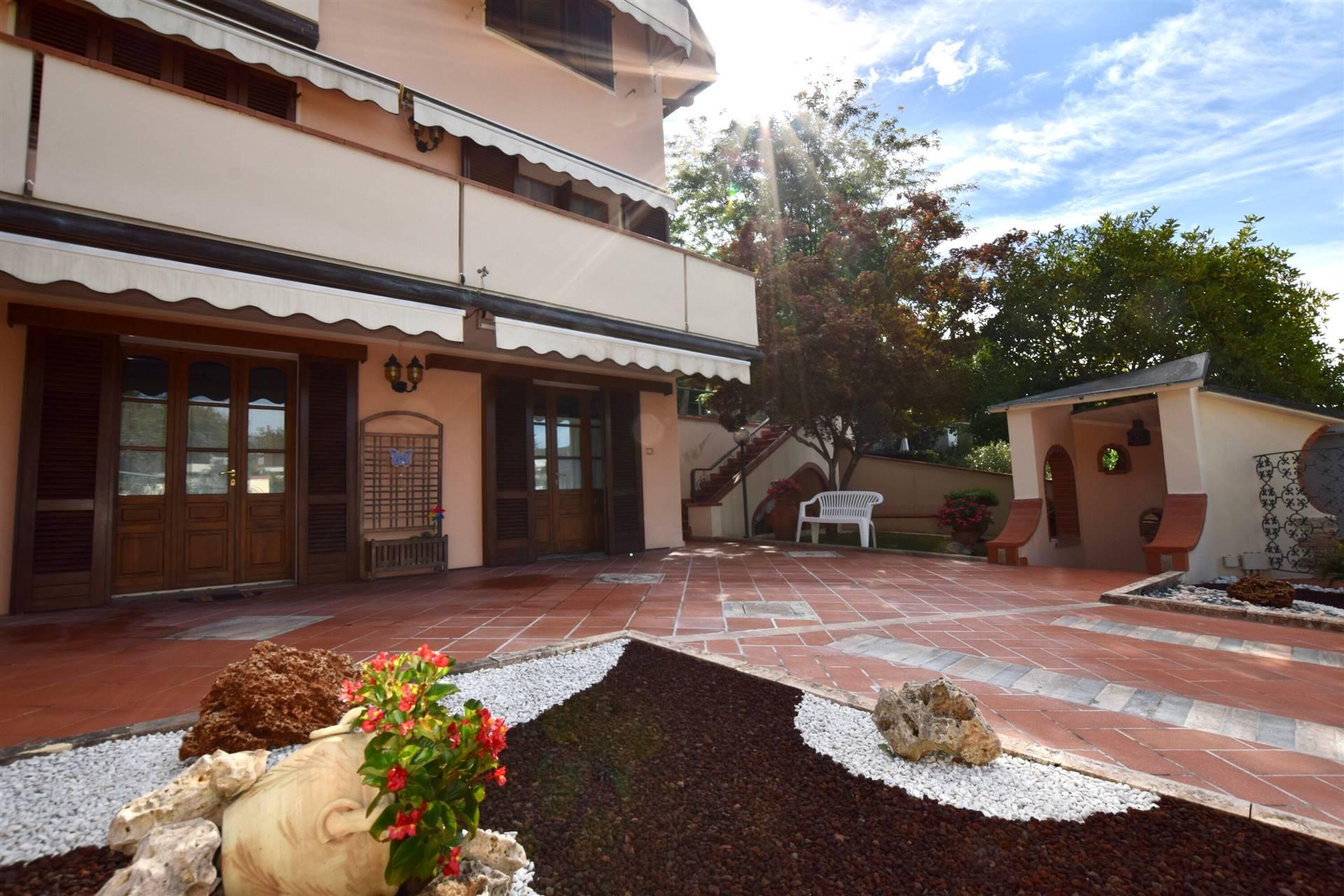 STAZIONE MASOTTI, SERRAVALLE PISTOIESE, Villa in vendita di 298 Mq, Ottime condizioni, Riscaldamento Autonomo, Classe energetica: G, Epi: 175 kwh/m2