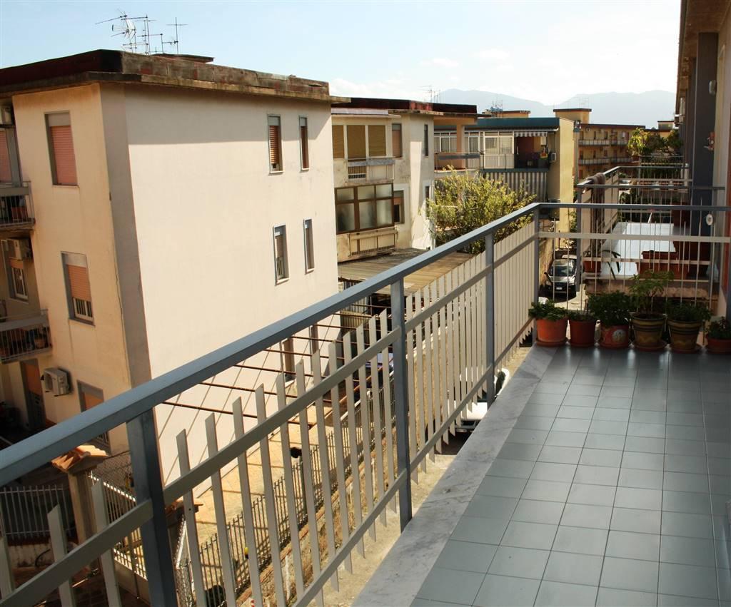 Quadrilocale in Via Emerico Luna  21, Palermo