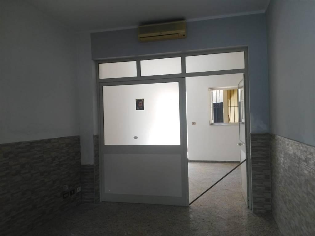 Negozio in Via Belmonte Chiavelli 212, Palermo