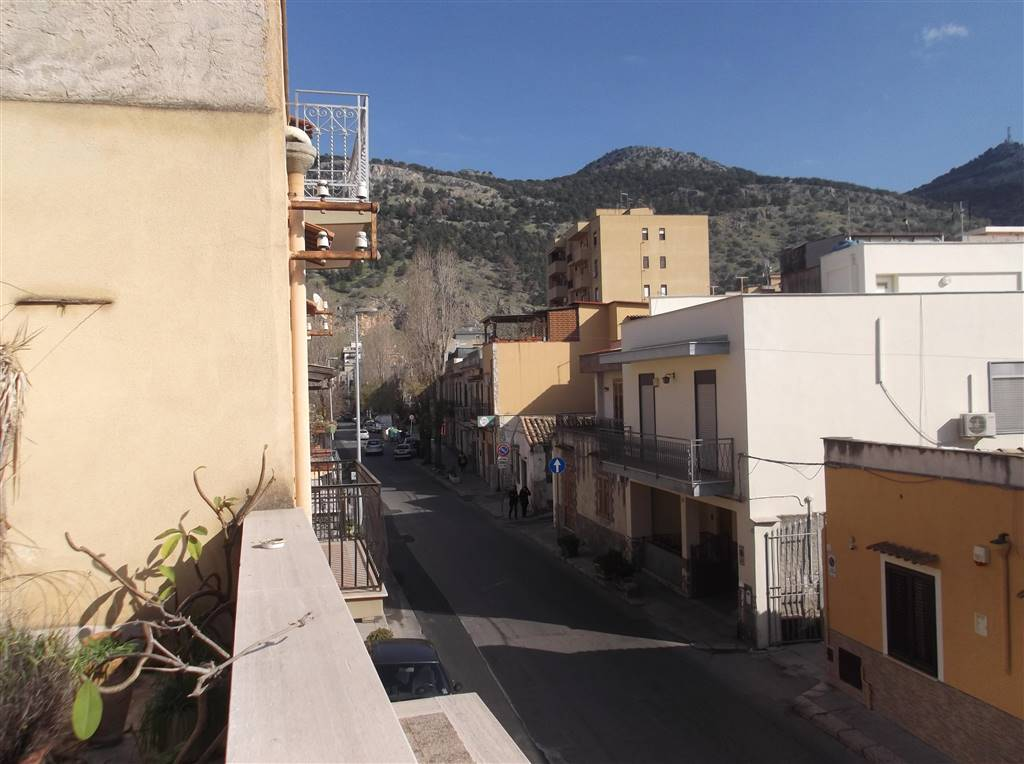 Trilocale in Via Mater Dolorosa 24, Pallavicino, Palermo