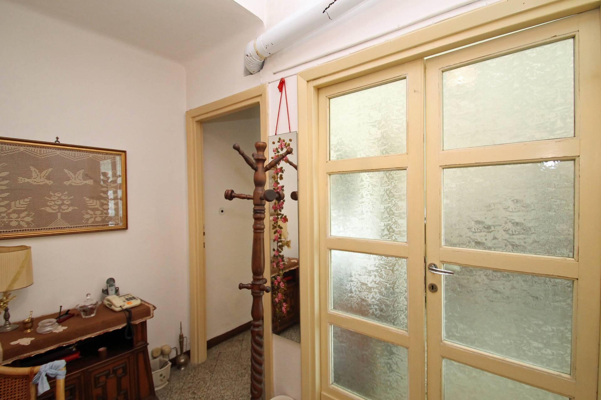 R/24_ingresso appartamento