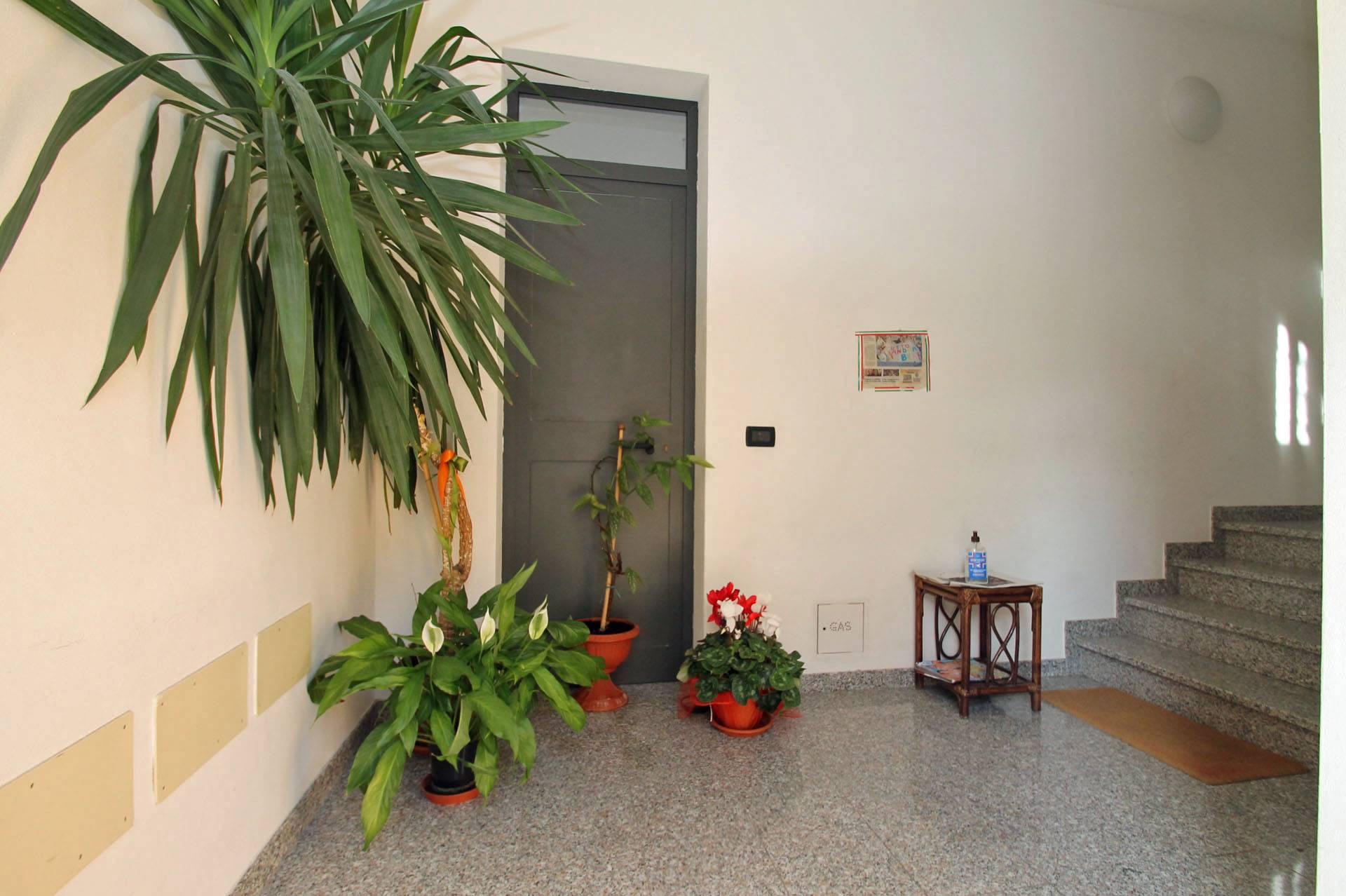 R43-ingresso condominio