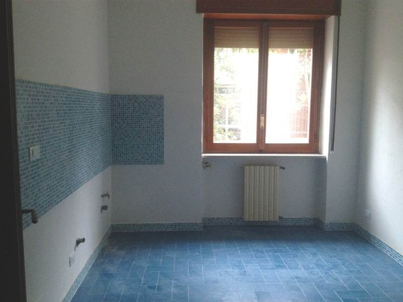 ANDREOTTA, CASTROLIBERO, Apartment for rent of 80 Sq. mt., Almost new, Heating Individual heating system, Energetic class: G, placed at Ground on 3,