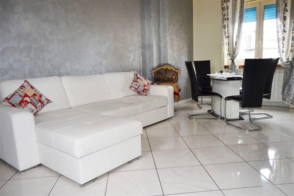 VIA PANEBIANCO, COSENZA, Appartamento in vendita di 68 Mq, Ristrutturato, Riscaldamento Autonomo, Classe energetica: G, Epi: 417,4 kwh/m2 anno, posto