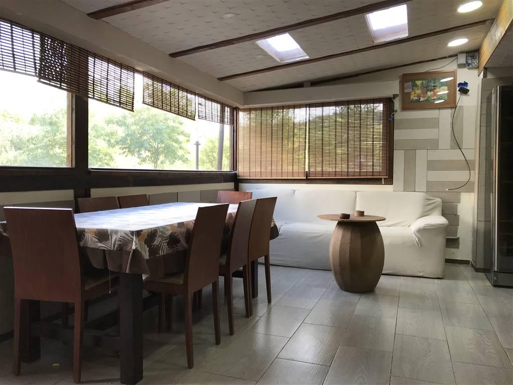 ORTO MATERA, CASTROLIBERO, Wohnung zu verkaufen von 130 Qm, Beste ausstattung, Heizung Unabhaengig, Energie-klasse: F, am boden Land auf 2,