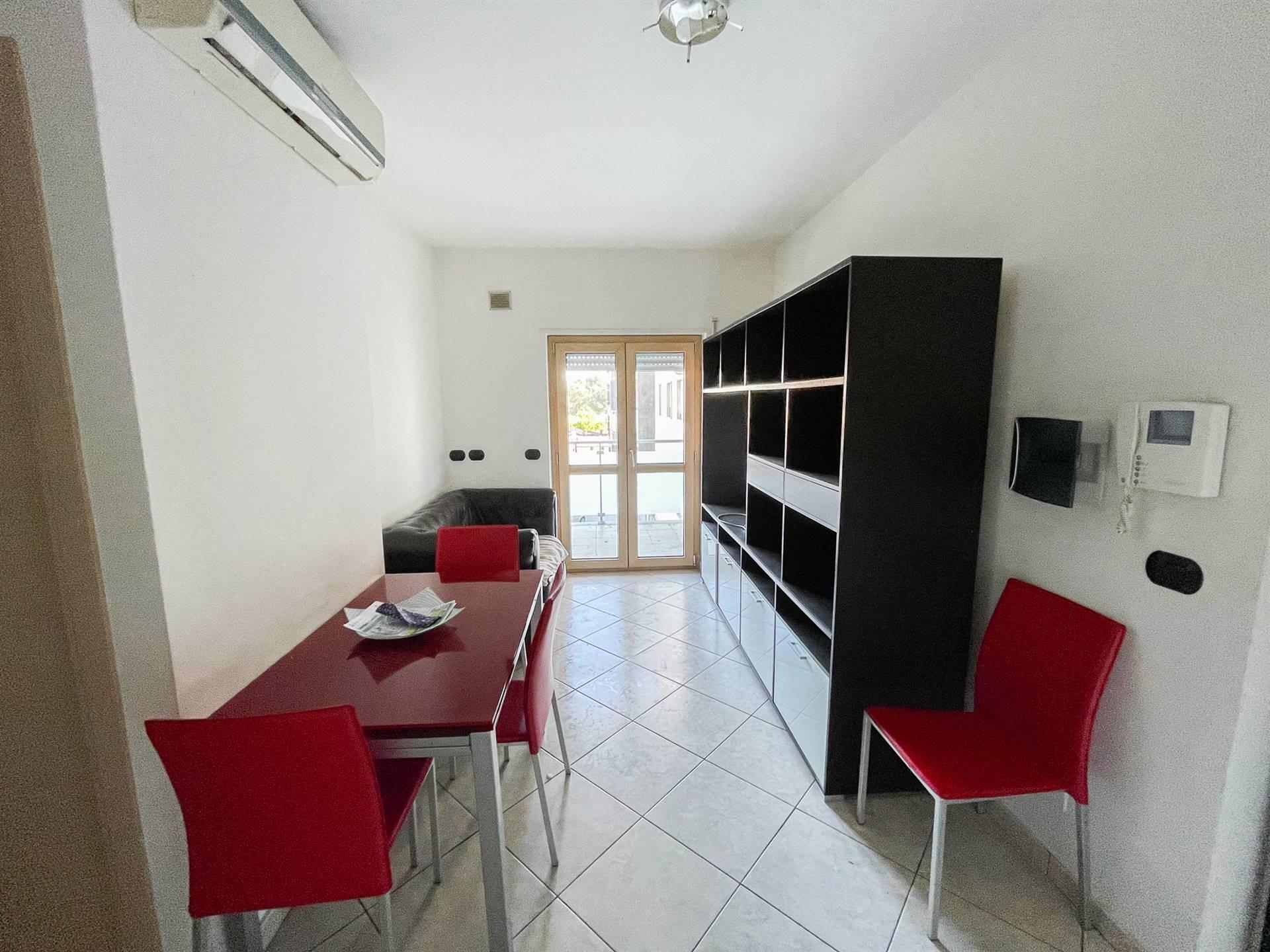 QUATTROMIGLIA, RENDE, Appartamento in affitto, Seminuovo, Riscaldamento Autonomo, Classe energetica: B, posto al piano 3° su 6, composto da: 4 Vani,