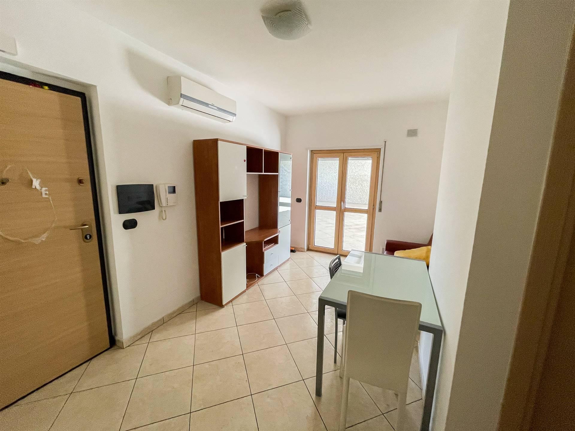 QUATTROMIGLIA, RENDE, Appartamento in affitto di 90 Mq, Seminuovo, Riscaldamento Autonomo, Classe energetica: B, posto al piano 4° su 6, composto da: