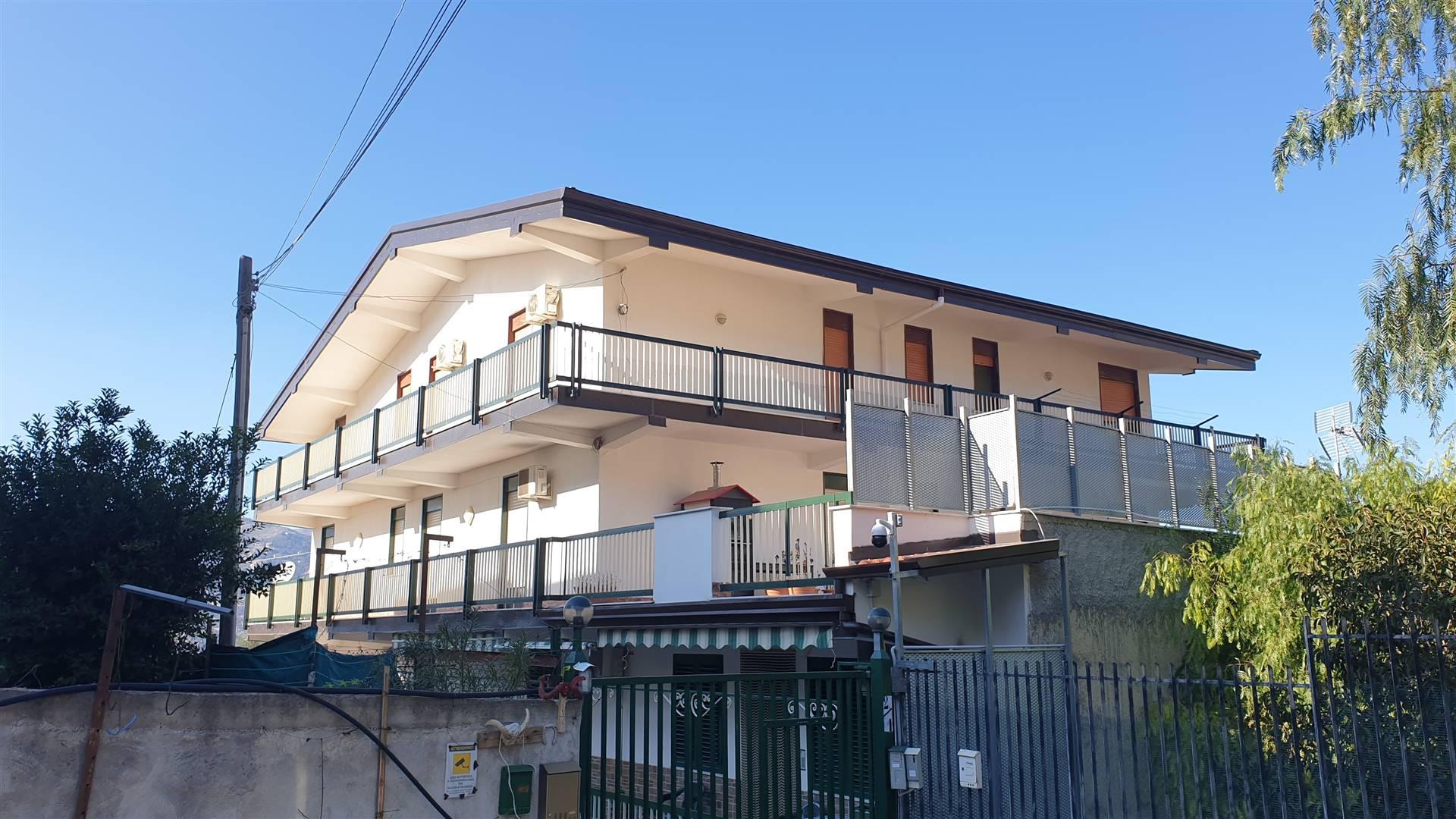 Appartamento in vendita a Monreale, 5 locali, zona aciambra, prezzo € 250.000 | PortaleAgenzieImmobiliari.it