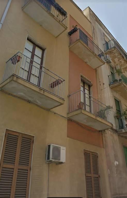 Appartamento in Via Ughetti  75, Catania