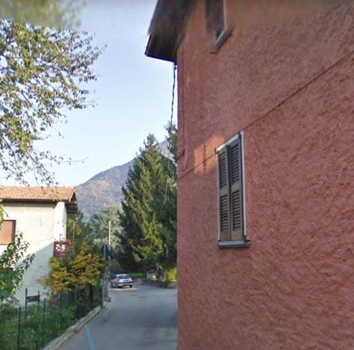 Bilocale in Via Palerma  42, Colico